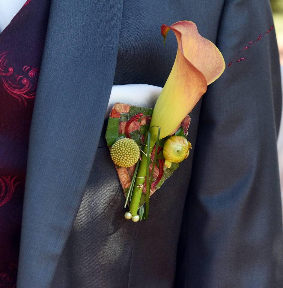 au paradis des fleurs neuville sur saone fleuriste lyon spécialisé mariage boutonnière marié Fleuriste, Fleuriste Neuville sur Saône, Fleurs mariage Lyon, Livraison fleurs Neuville sur Saône, Cours art floral, Fleuriste Neuville sur Saône Lyon, Fleuriste Lyon, Fleuriste Lyon Neuville sur Saône, Fleuriste mariage, Fleurs deuil, Livraison express, Fleuriste interflora