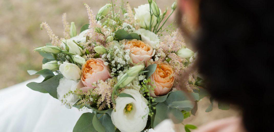 Mariage-bouquet de mariée-au-paradis-des-fleurs-neuville-sur-saone-fleuriste-lyon