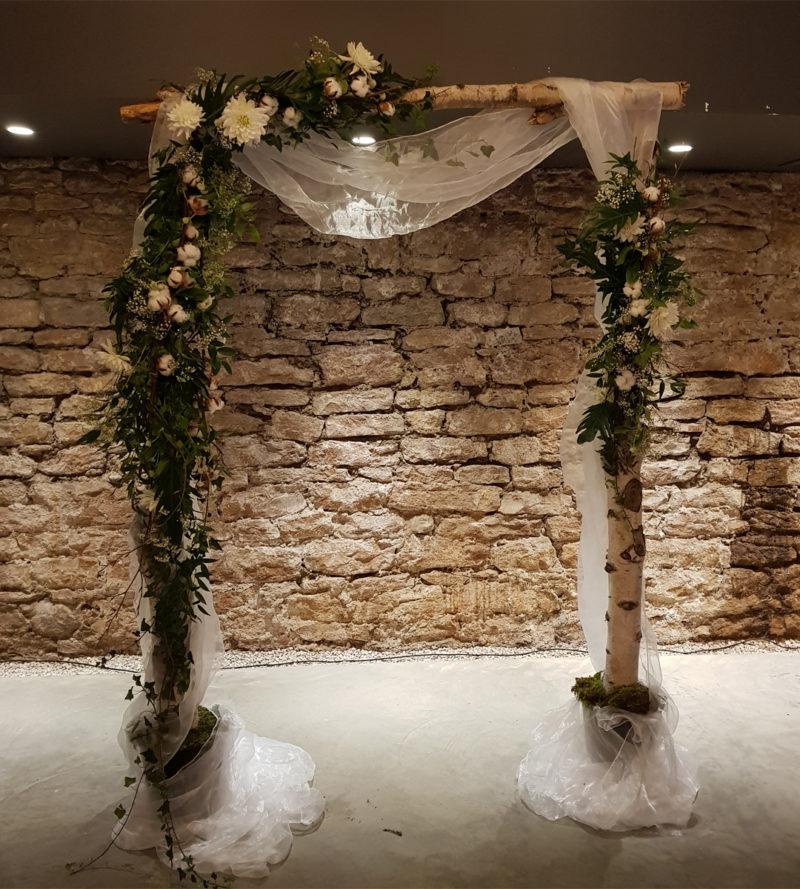 au-paradis-des-fleurs-fleuriste-neuville-sur-saone-mariage arche