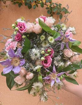 bouquet andrée fleuriste lyon neuville sur saone mariage cadeau fleurs