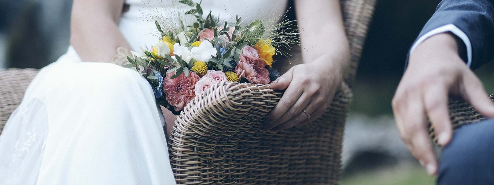 couple bouquet de mariage neuville sur saone lyon